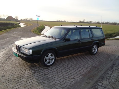 Volvo 940 limited linker zijkant