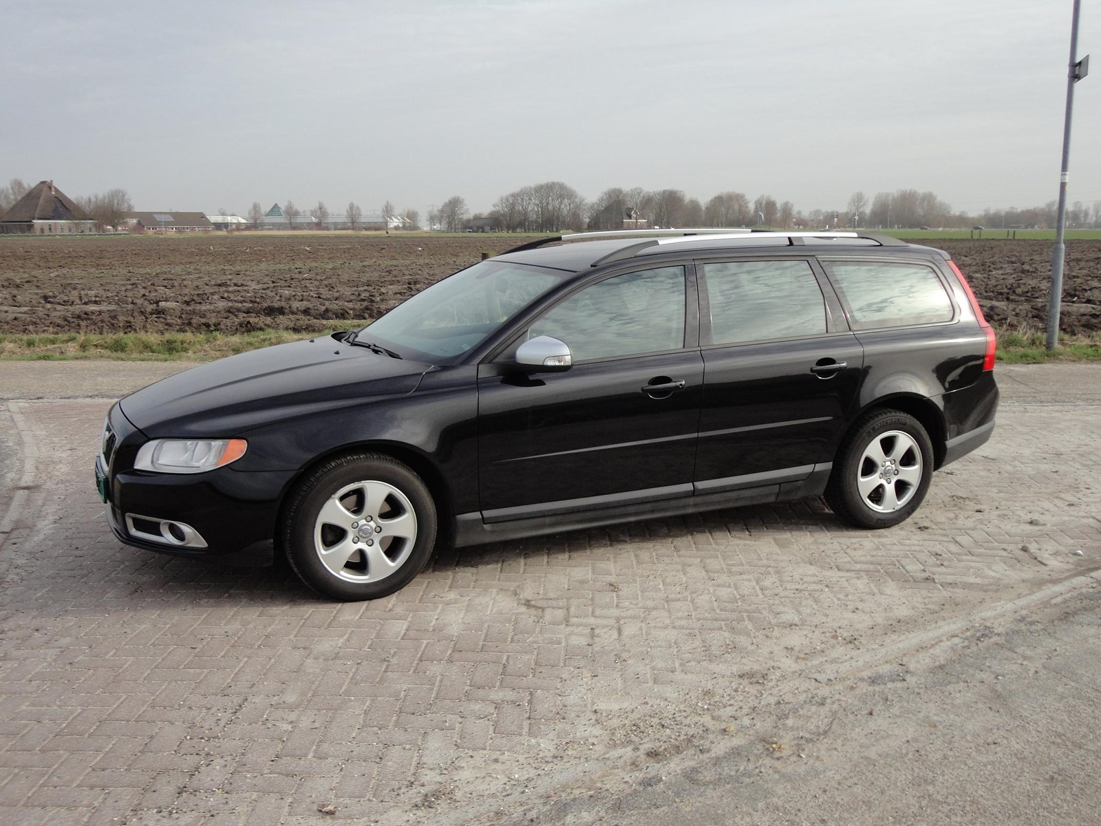 testverslag volvo v70 kinetic de nieuwe generatie. Black Bedroom Furniture Sets. Home Design Ideas