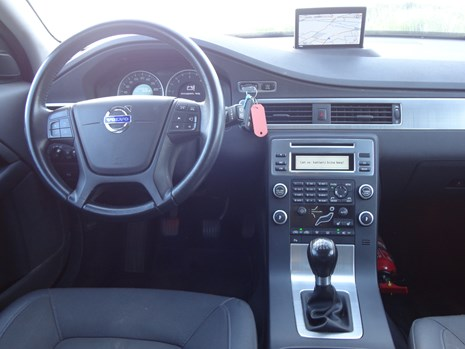 Volvo V70 D3 dashboard