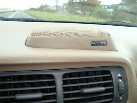 Volvo C70 T5 dolby surround